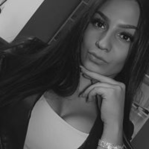 Laura Mia's avatar