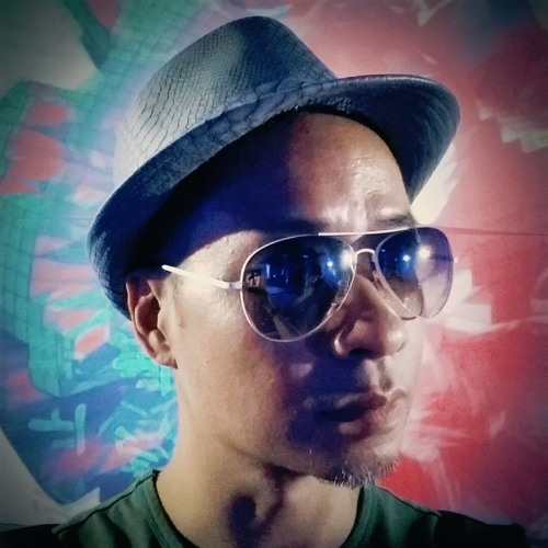 DJ BLING (Brian Leung)'s avatar