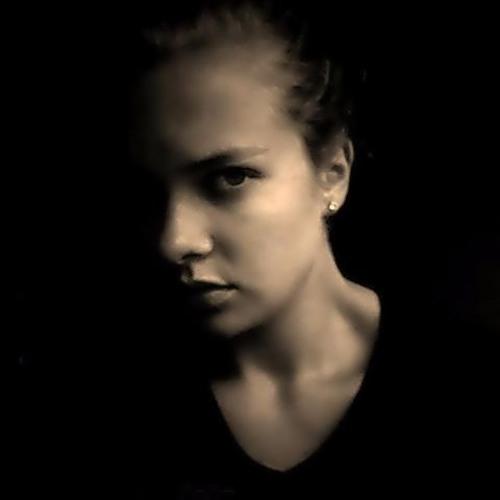 Becca Leigh's avatar