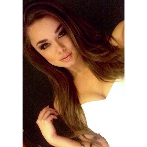 Amanda Armstrong's avatar