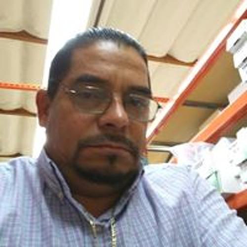 Luis Godinez's avatar