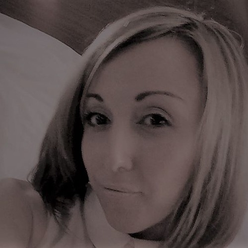 Amanda Hill's avatar