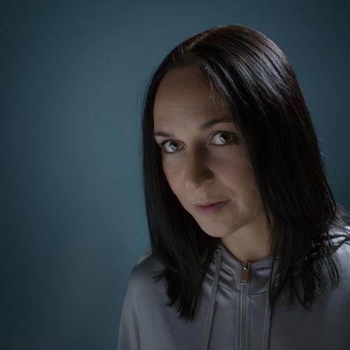 Annie Errez's avatar