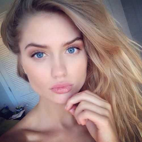 viviana's avatar