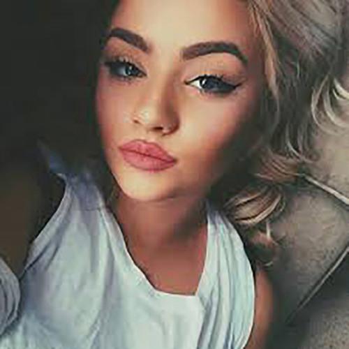 adrienneafxr's avatar