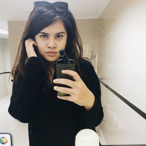 molly prakarsa's avatar