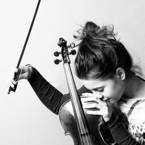 Ema Aki's avatar
