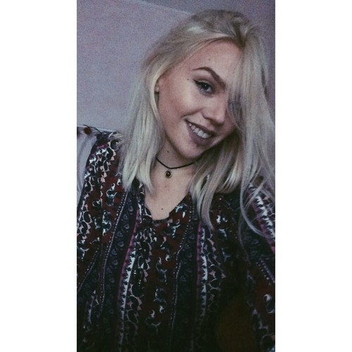 Anika ♥'s avatar