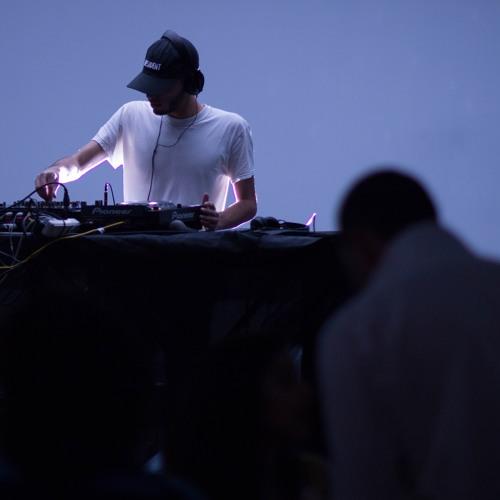dj club 1235's avatar