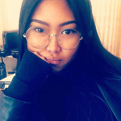 Marie Choou's avatar