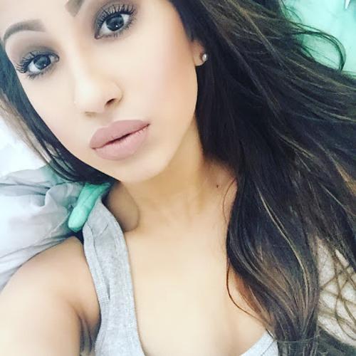 Karina Cruz's avatar