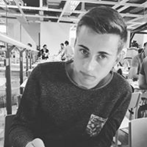 Daniel Simon's avatar