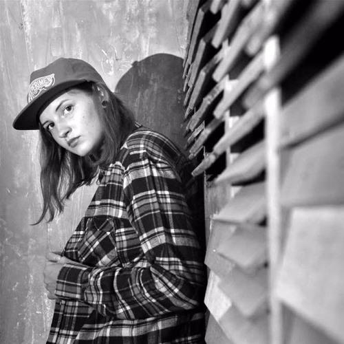 Denisa Emilko's avatar