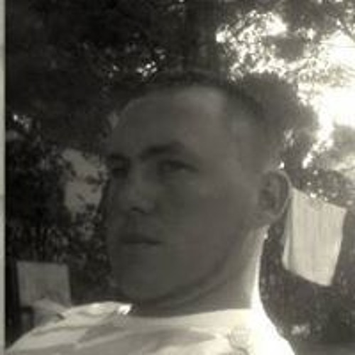Luis Esteban's avatar