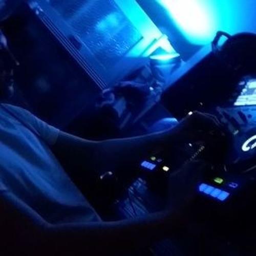 DJ Fluffen's avatar