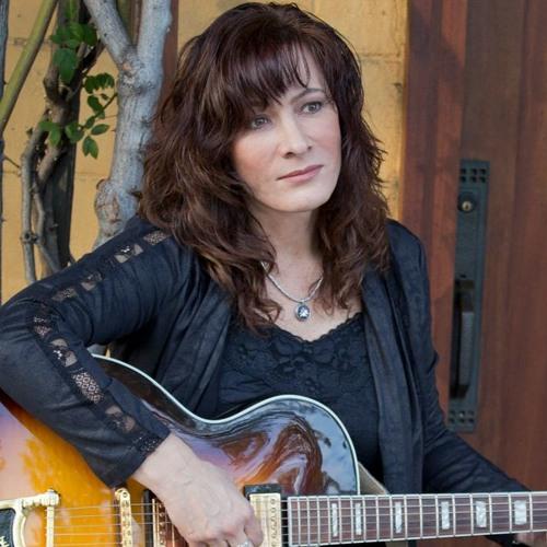Andrea Stray's avatar