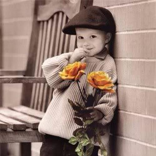 Мальчик дарит цветок открытка, волков рабочий