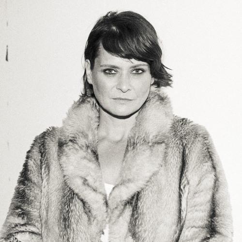 Sophie Barker's avatar