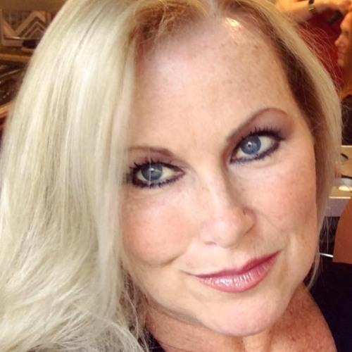 Ellen O'Brien's avatar