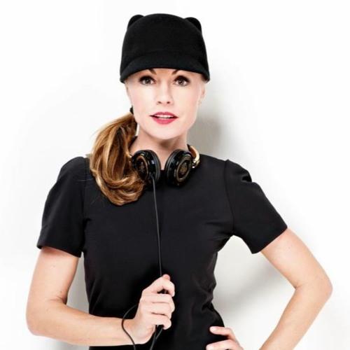 DJ ZsuZsu's avatar