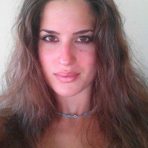 Mari Estu's avatar