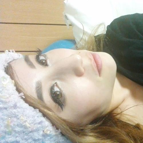 Shanti Raffelt's avatar