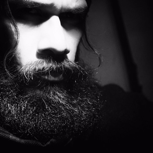 Daniel Ivan's avatar