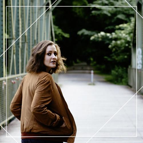 Elin Bell's avatar