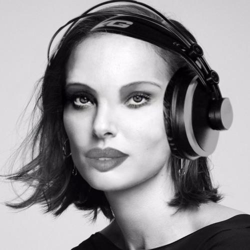 karaoke images's avatar