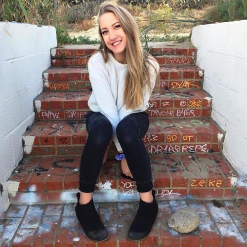 Anna Hutchinson's avatar