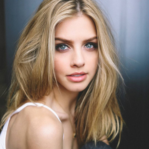 Ivy Hanson's avatar