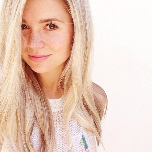 Amy Wood's avatar