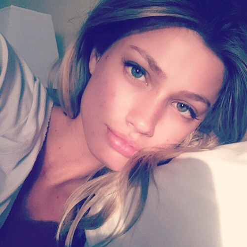Adriana Hendricks's avatar