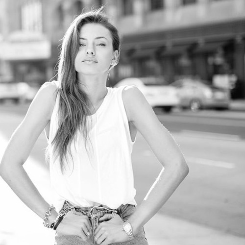 Valeria Benson's avatar