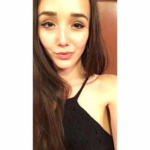 Angelina Blevins's avatar