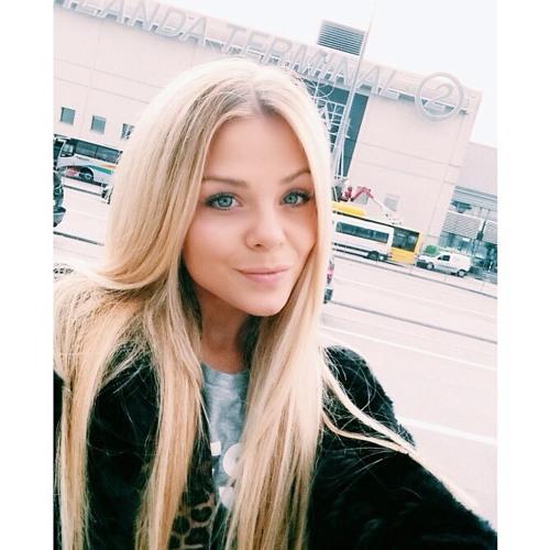 Evelyn Wood's avatar