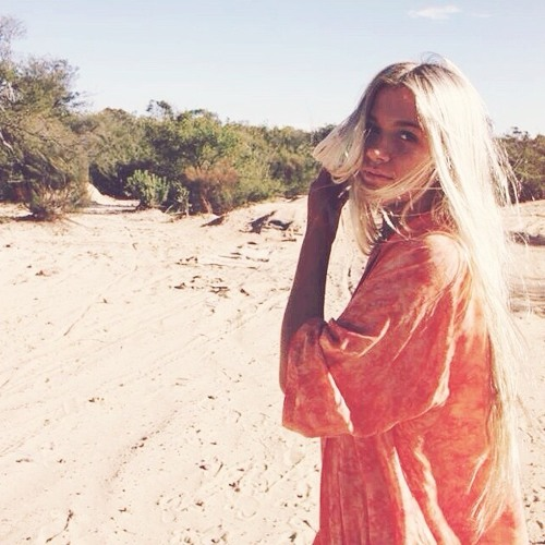 Anna Hurst's avatar