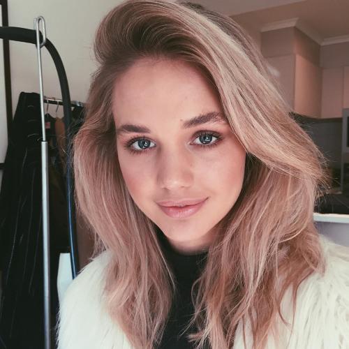 Mia Frye's avatar