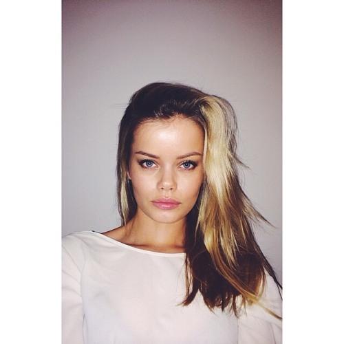 Nina Bowman's avatar
