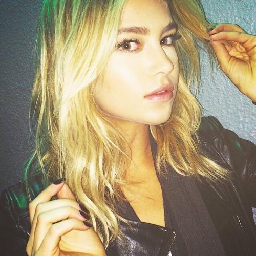 Elise Burnett's avatar