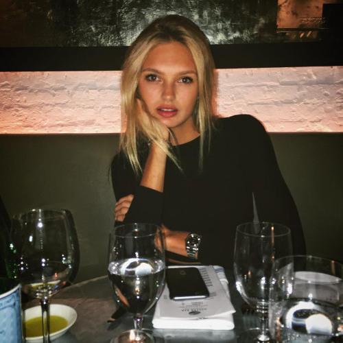 Rebecca Ponce's avatar