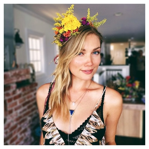 Melissa Crosby's avatar