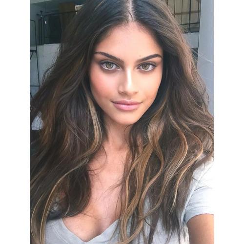 Gabrielle Roman's avatar