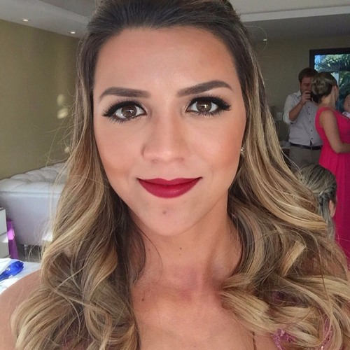 Juliana Viganó's avatar