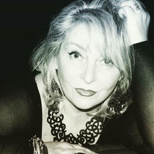 Suzi Stengel's avatar