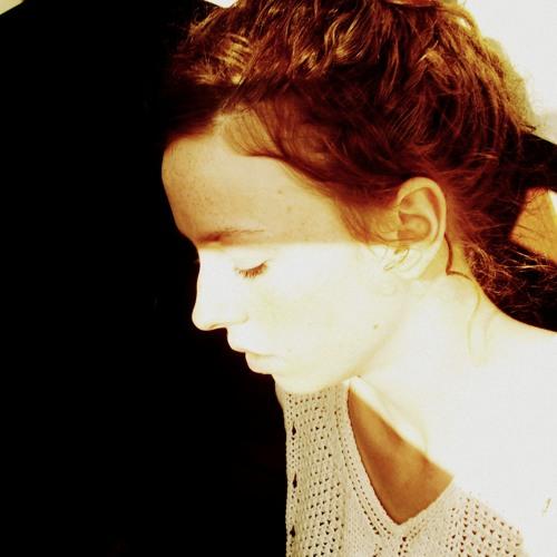 Marie Lino's avatar