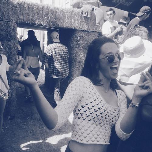 Caroline Singh's avatar