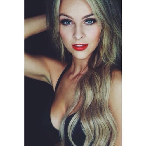 Vanessa Marshall's avatar