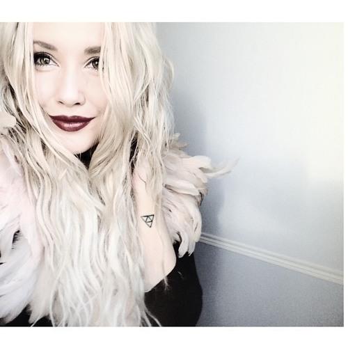 Gabrielle Hogan's avatar