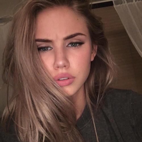 Crystal Klein's avatar